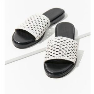Urban Outfitters Slipper